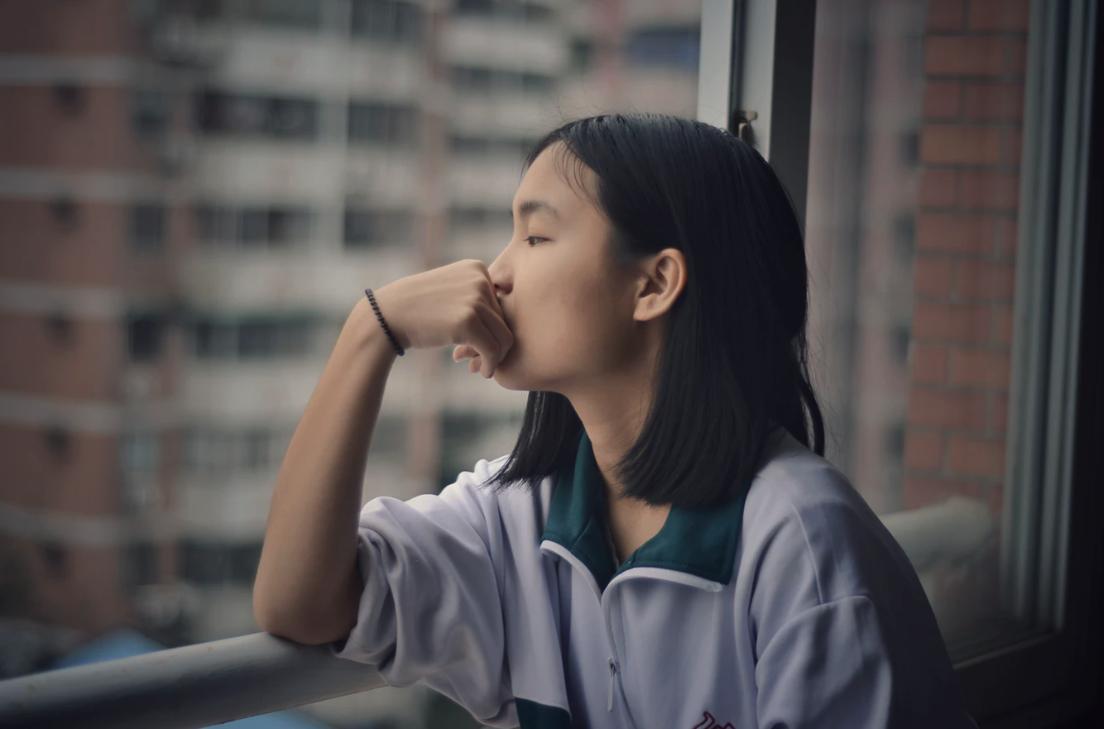 12 Surprising Symptoms of Thyroid Disease