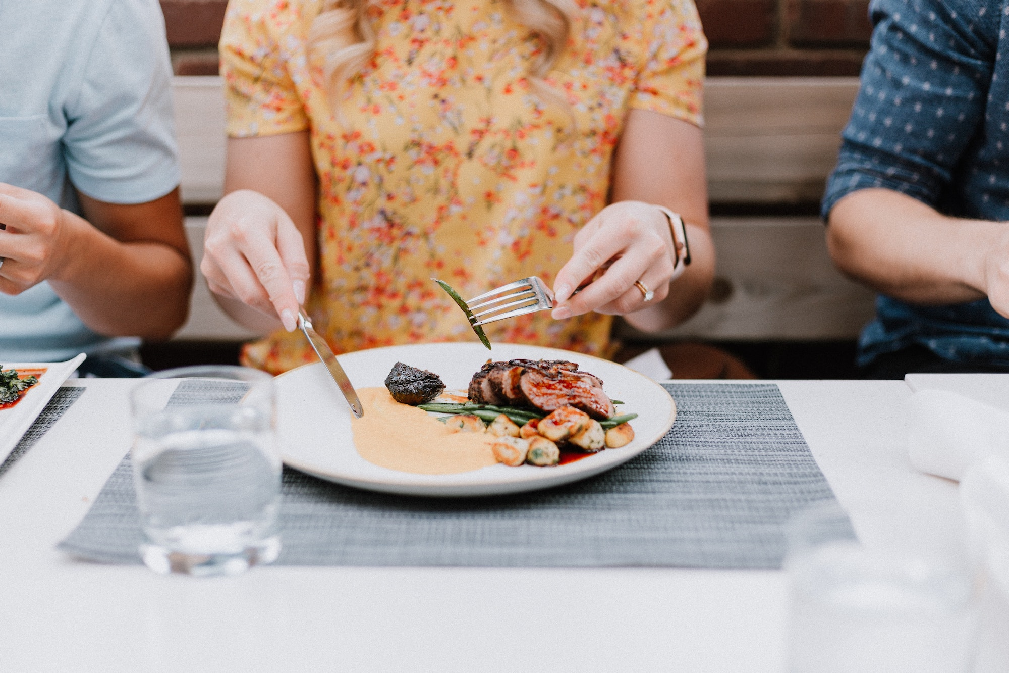 How to Dine Out With Hypothyroidism