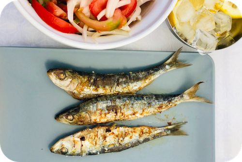 Fatty fish like sardines are an excellent source of omega-3 fatty acids for Hashimoto's