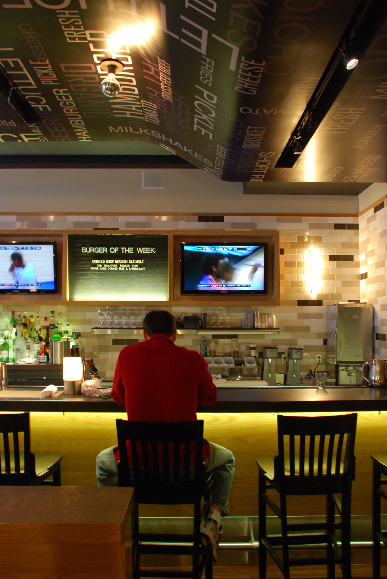 GO Burger NY restaurant design ideas