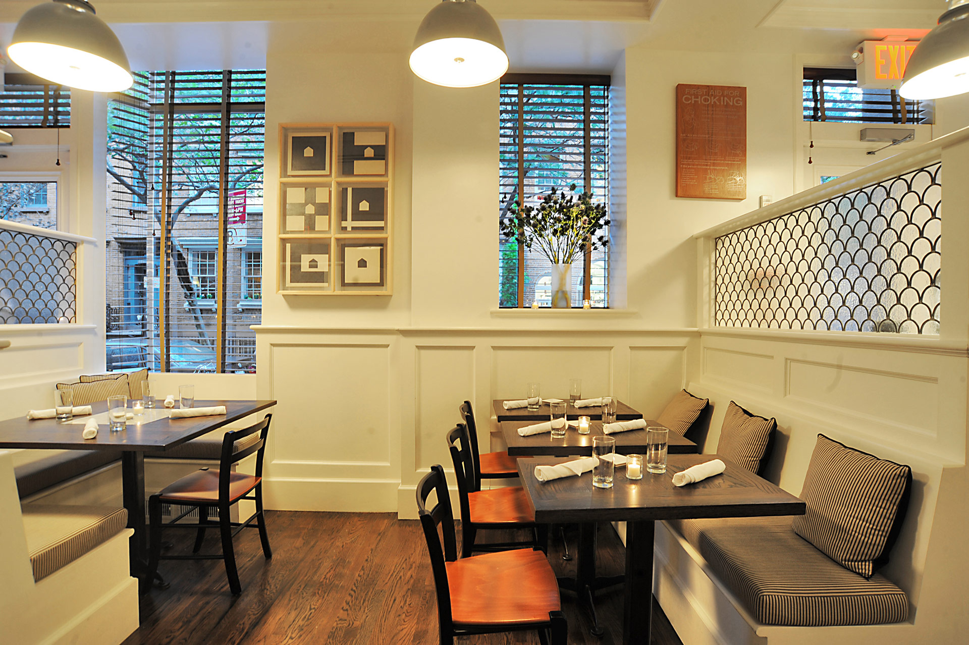 Tremont restaurant decor