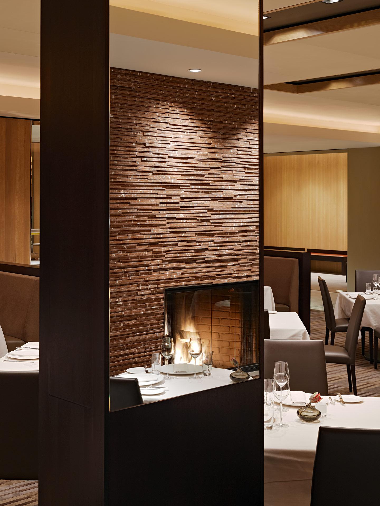 La Toque restaurant modern design