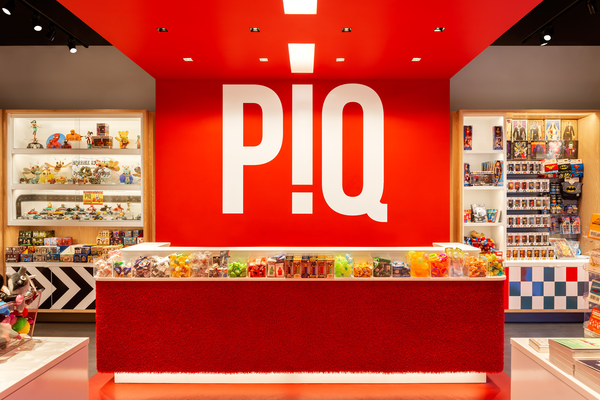 PiQ Hudson Yards retail store decor