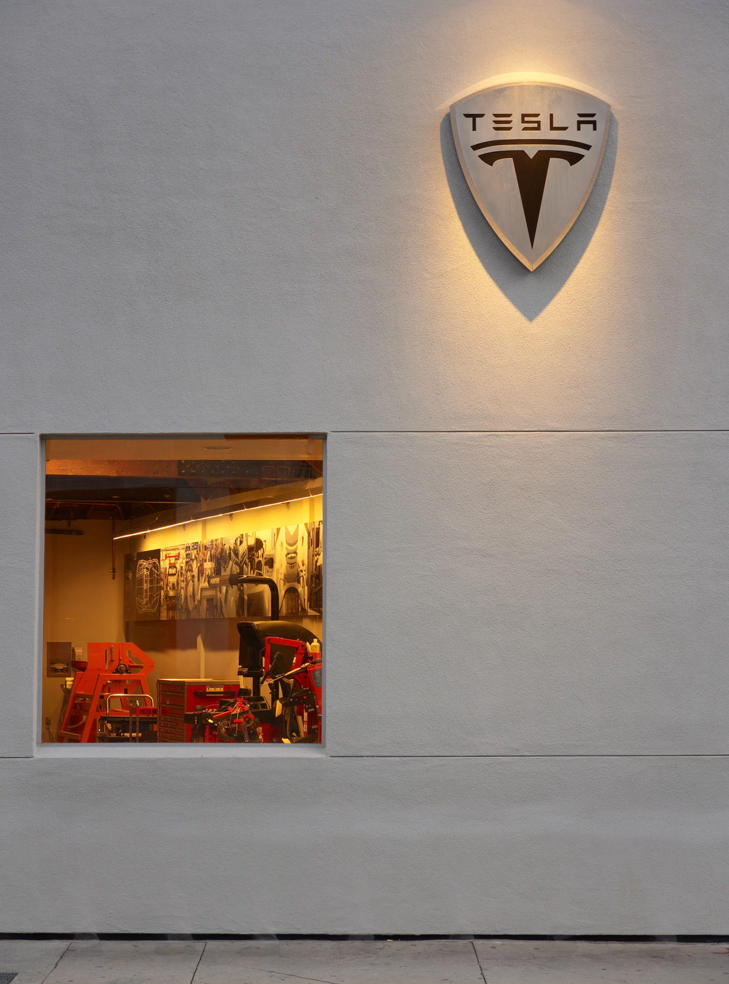Tesla Showroom retail store best deigner