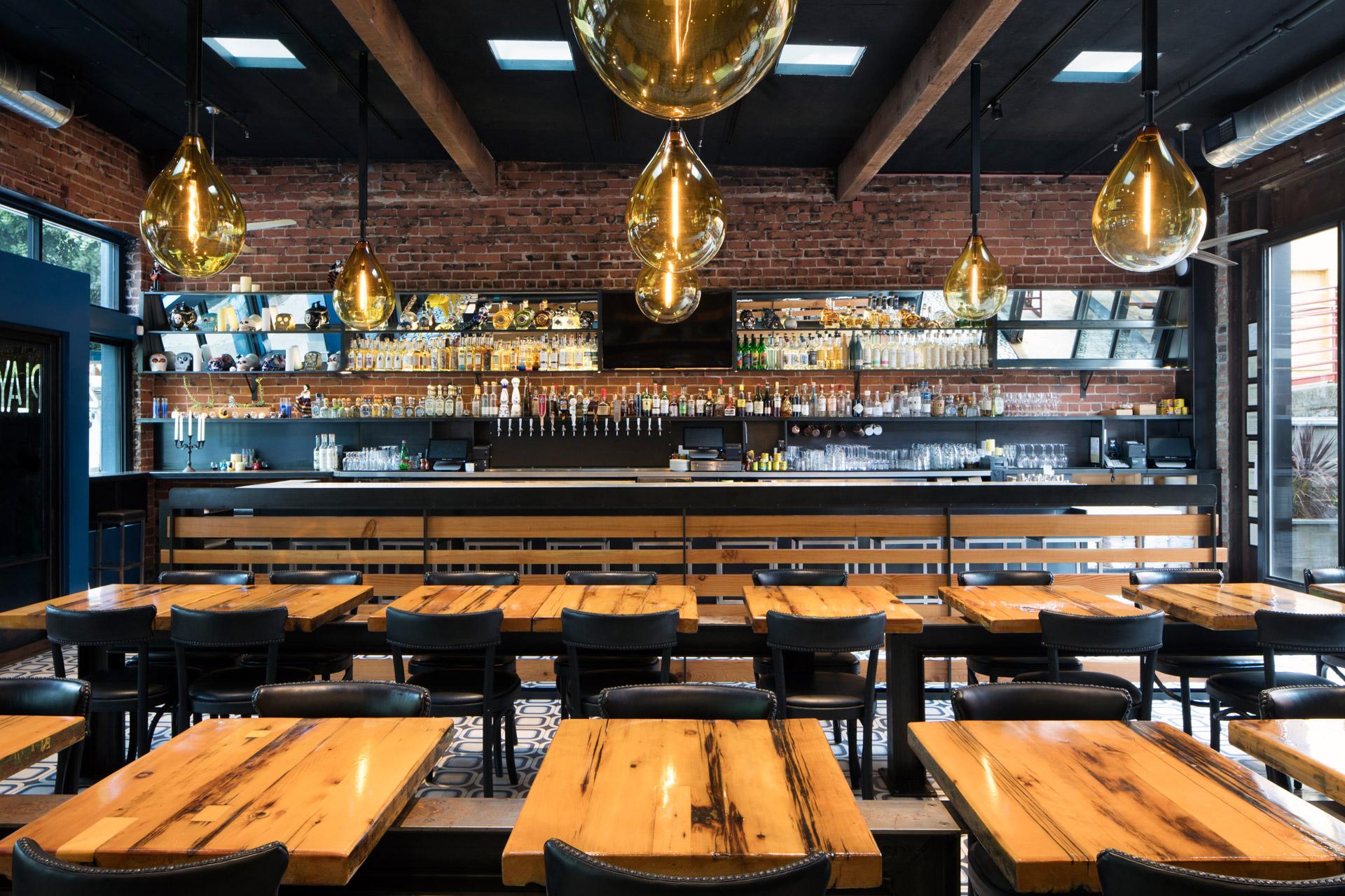 Playa restaurant architecture