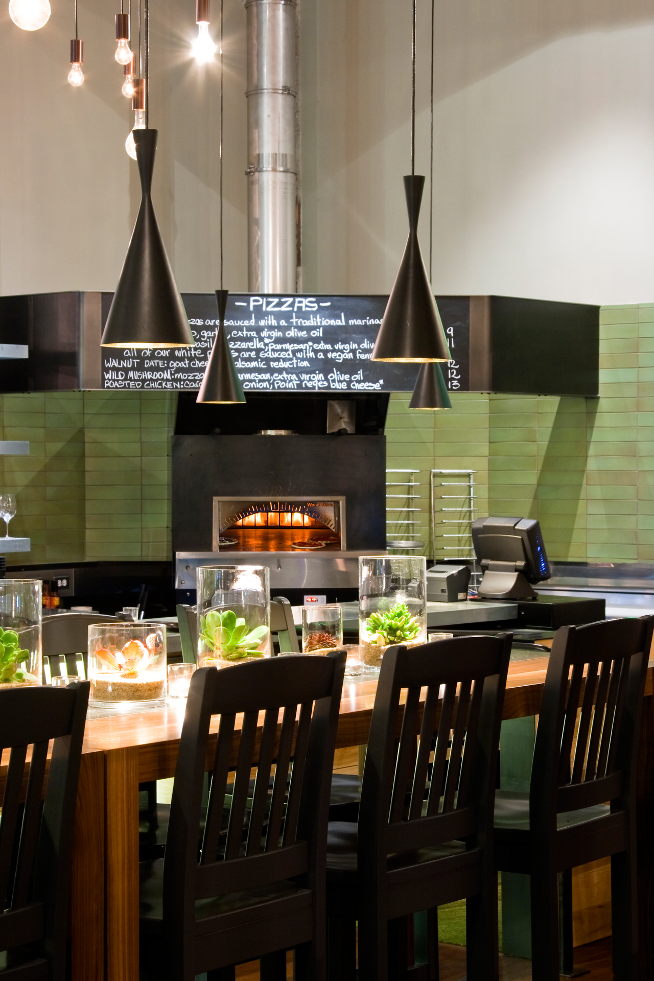 The Plant: Café Organic restaurant modern design