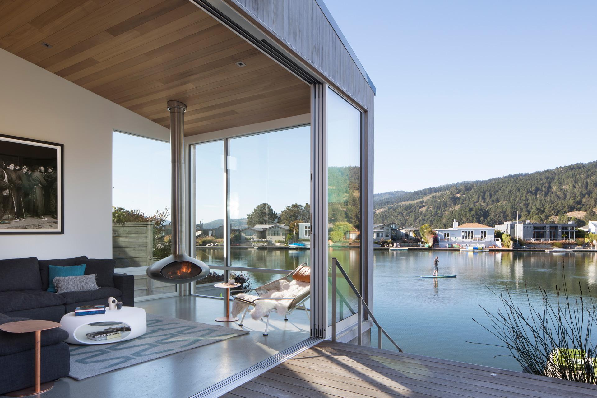 Lagoon House architecture