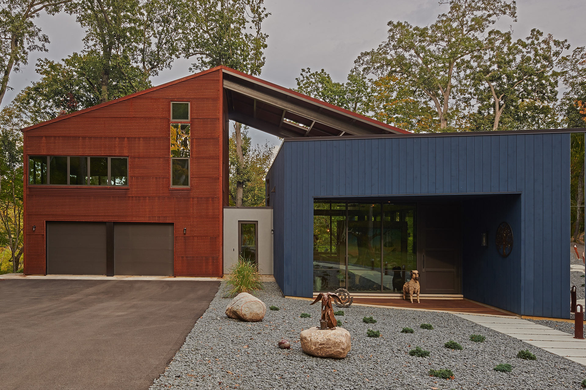 Interlock House design