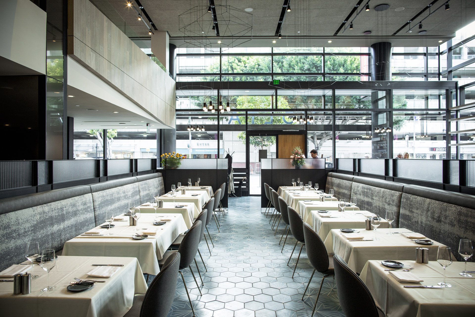 Volta restaurant decor ideas