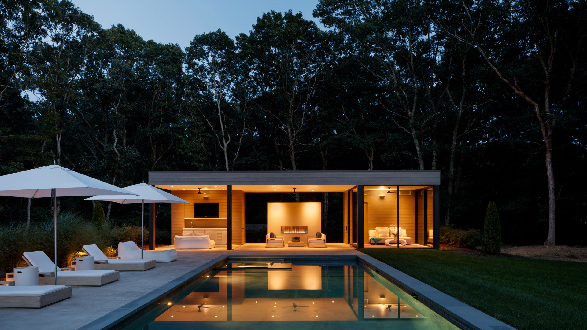 modern house design springs-pool-house