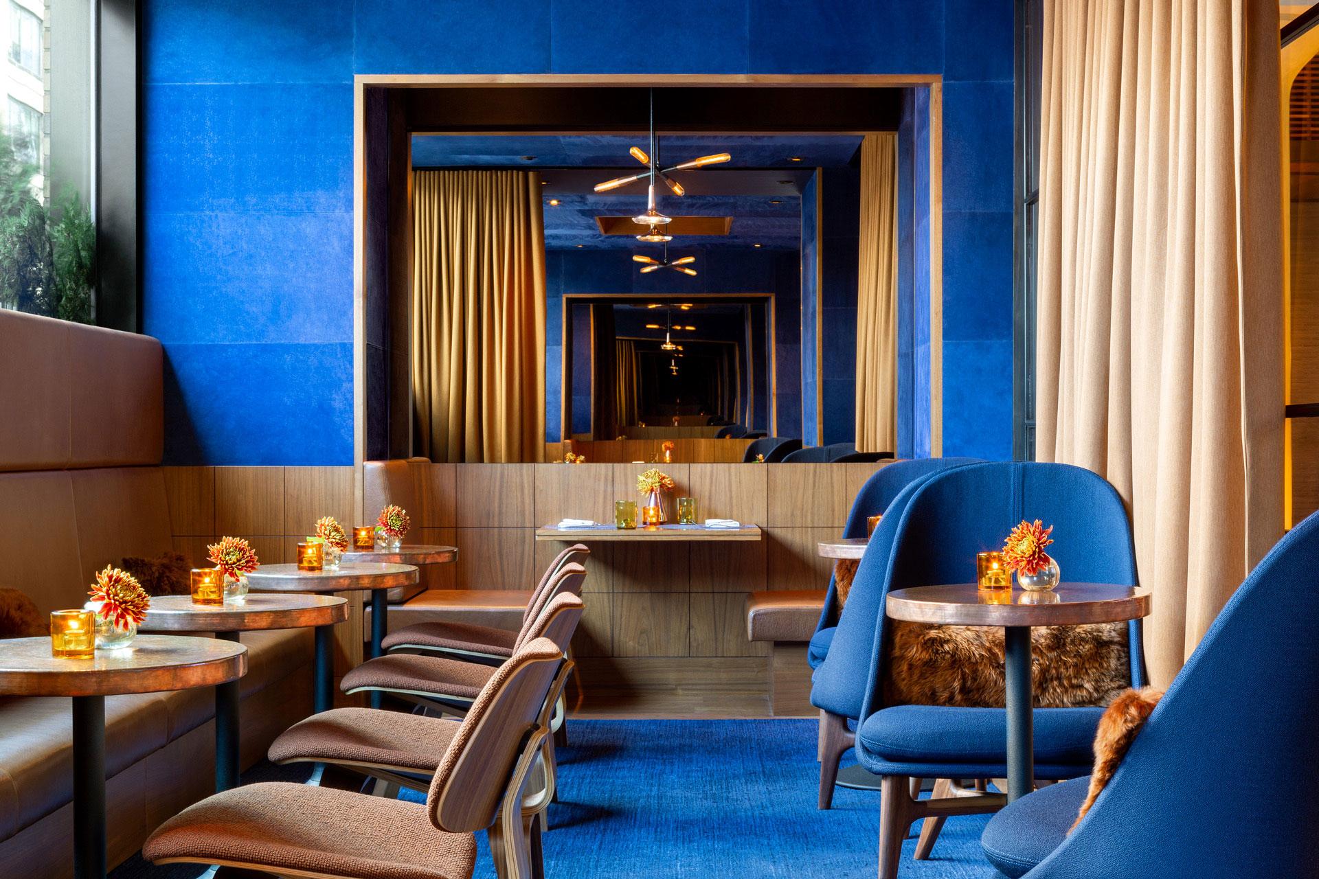 Print Lounge aristocratic restaurant