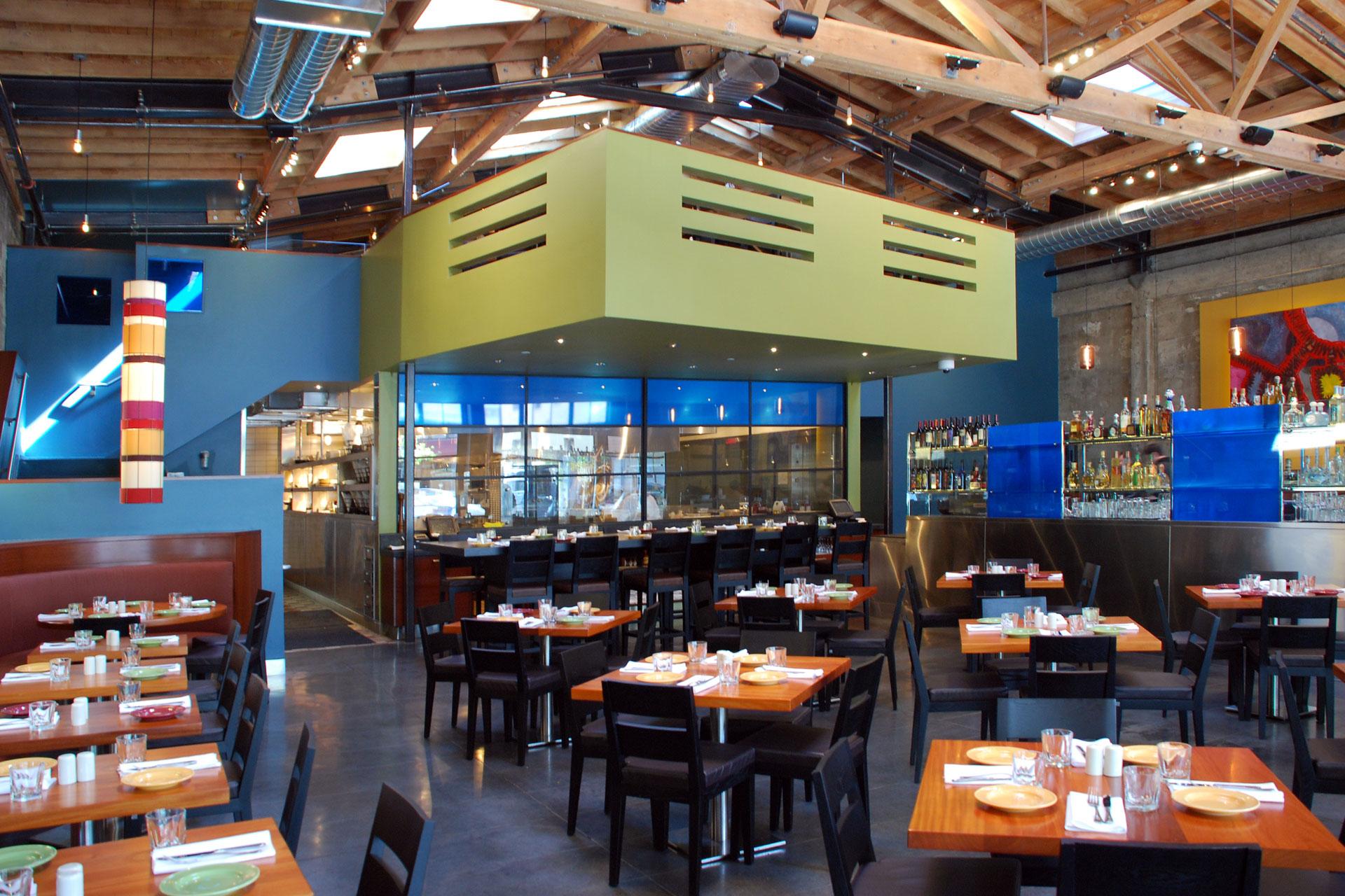 Reposado restaurant decor