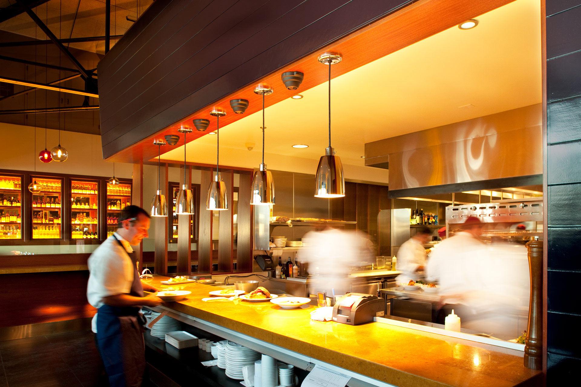 Lake Chalet restaurant design ideas