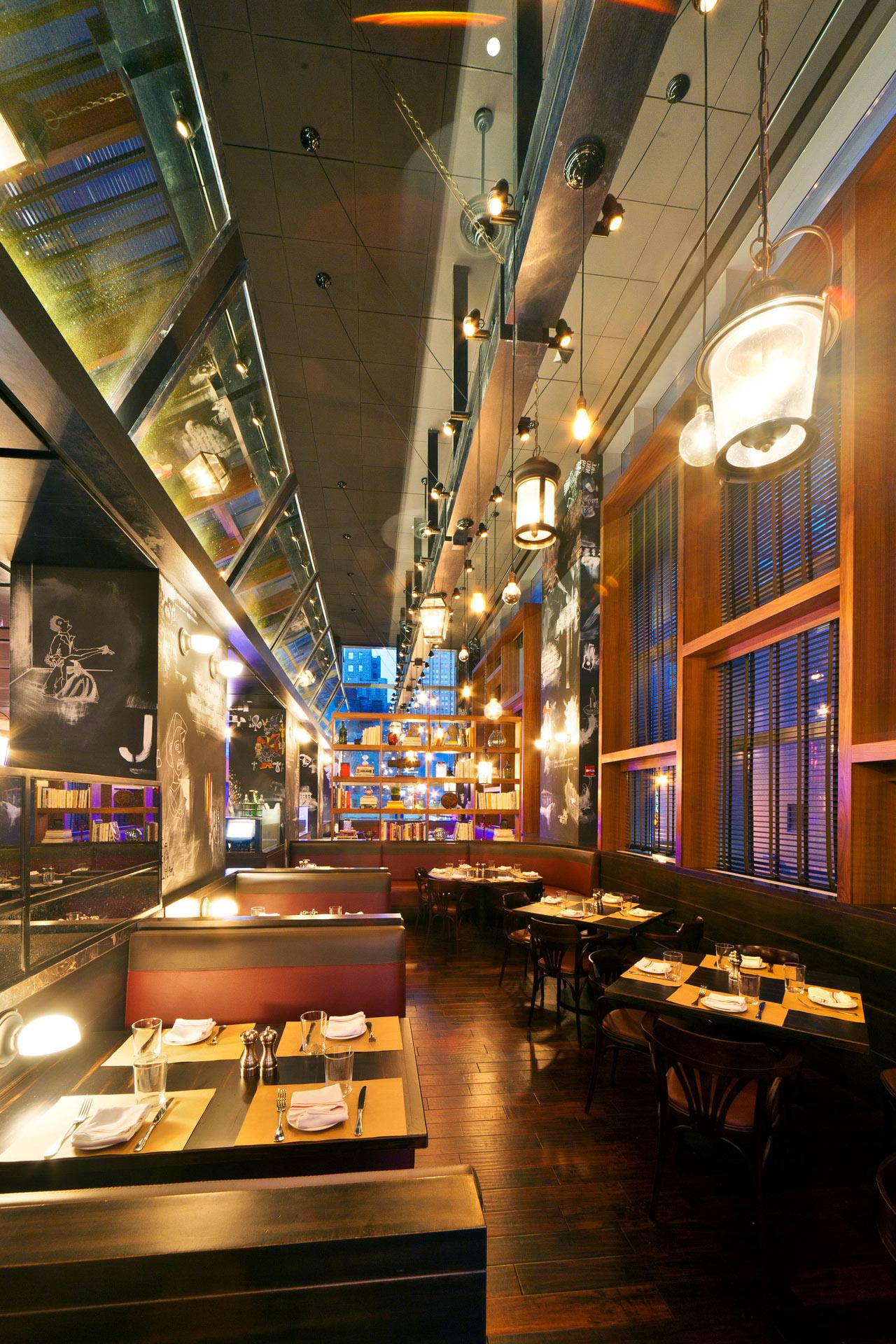 BLT Bar & Grill restaurant home design