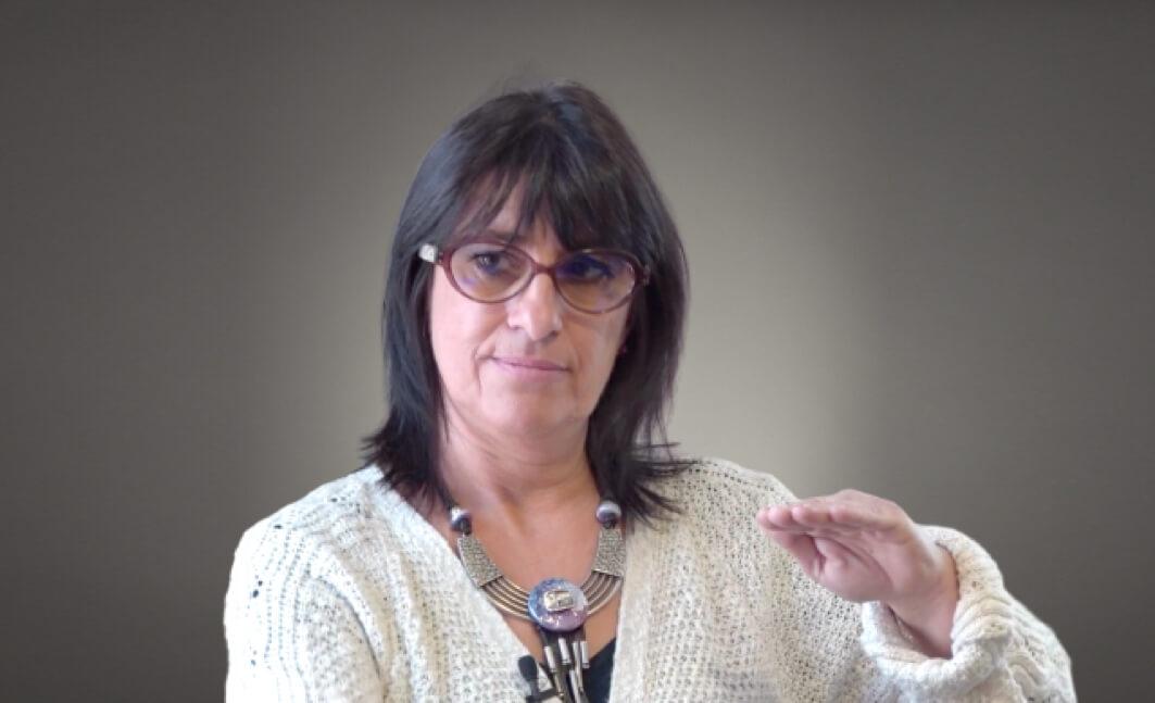 """Photo de Sylvie Gardette, infirmière libérale et formatrice, présentant la formation """"PRADO : BPCO et Insuffisance Cardiaque (IC)"""" pour Santé Académie"""