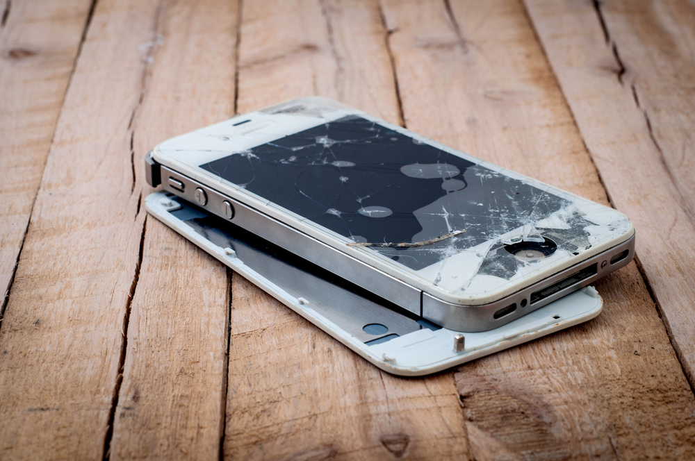 7 Places That Buy Old Cell Phones - Even If They're Broken