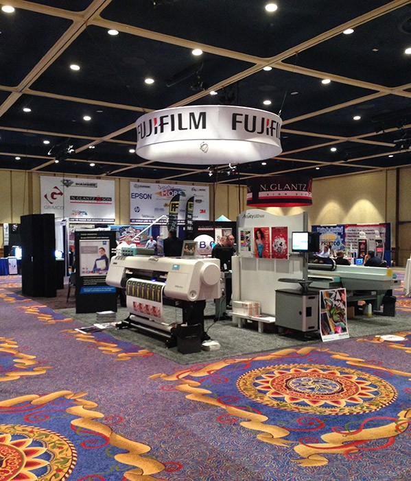 fastsigns-convention-floor