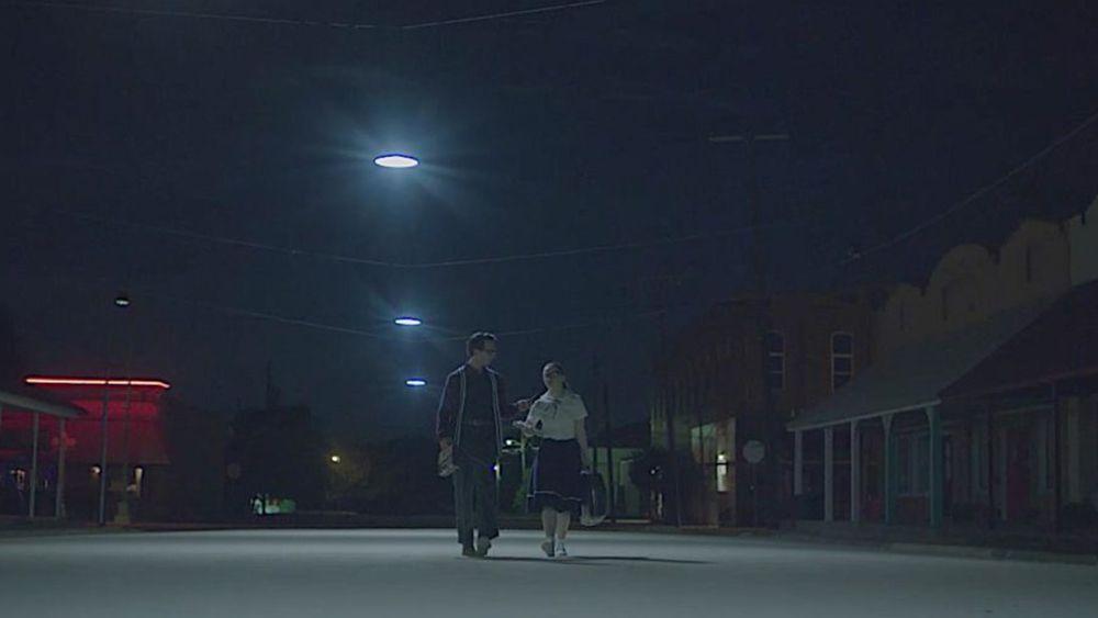 FANGORIA Frequencies' Weekend Watch is 'The Vast of Night'