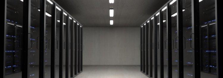 En del av en serverpark -som molnet egentligen ser ut