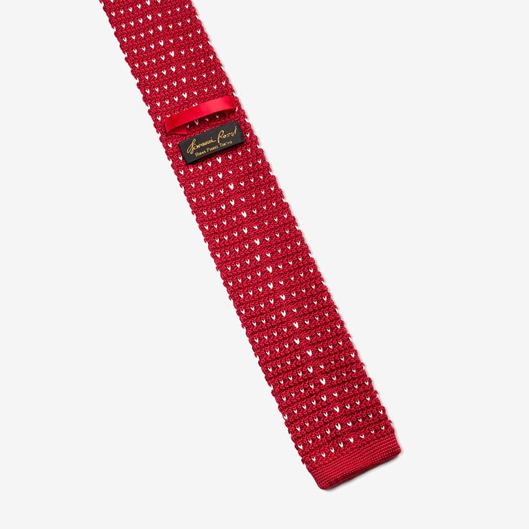 tie product photo