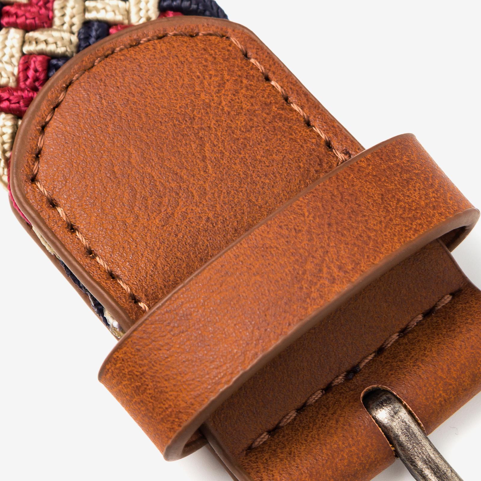 belt product photography