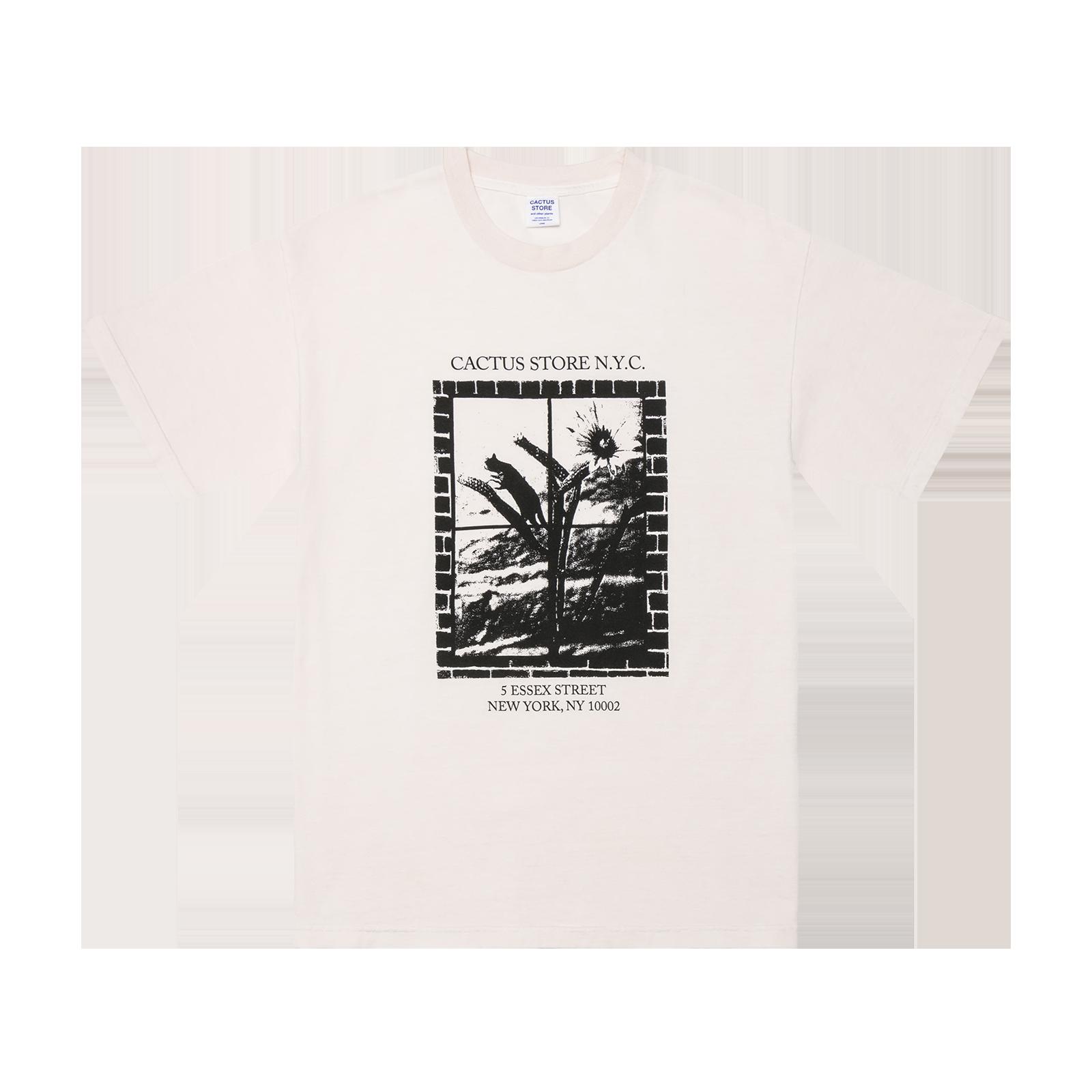 T-shirt flat lay product image
