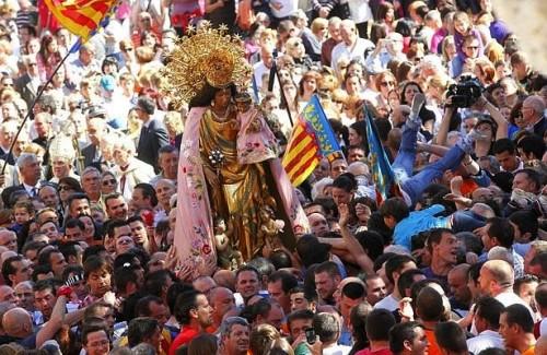procesion de virgen de los desamparados de valencia