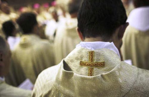 apostasia del clero