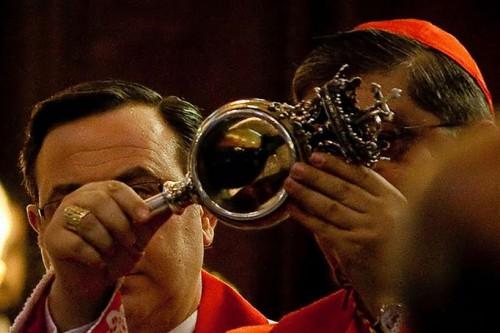 sangre medio licuada de san genaro al papa francisco