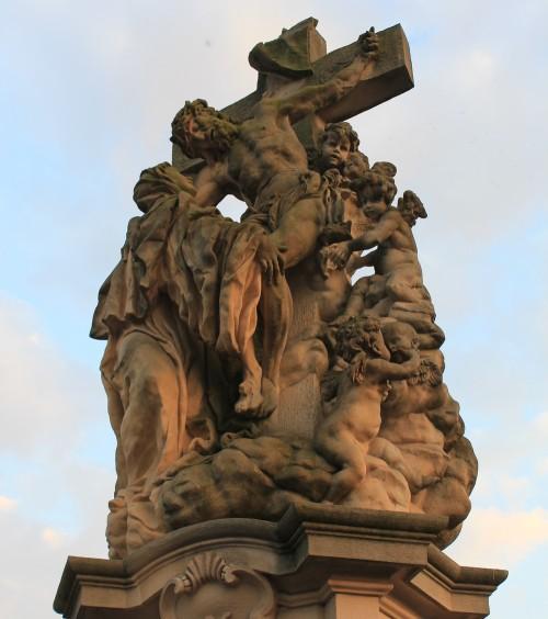 estatua de santa lutgarde en praga