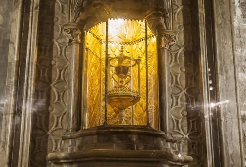 capilla del santo cáliz de la catedral y algún detalle TFGP.