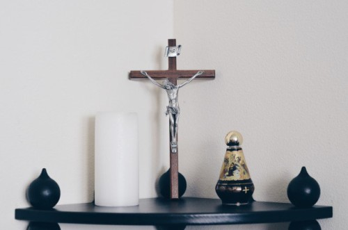altar en el hogar