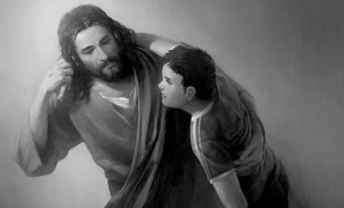 jesus lleva a un joven por el hombro 2