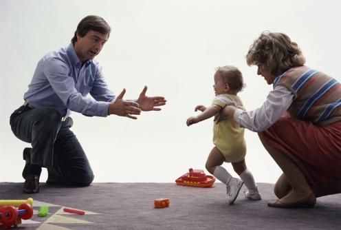 padres con bebe