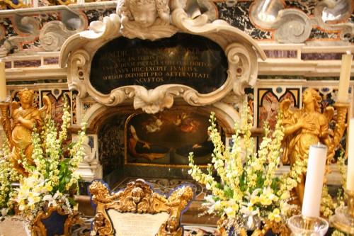 Tumba de San Benito y Santa Escol谩stica en Monte Cassino