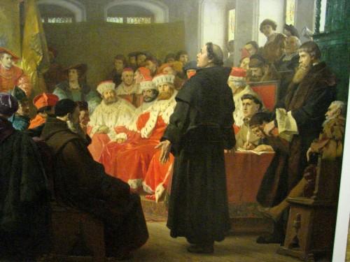 martin lutero predicando