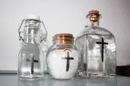 sal y agua bendita
