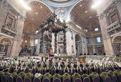 cardenales-y-obispos-en-el-sinodo-de-la-familia-en-iglesia