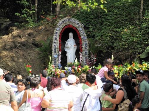 Virgen-de-Betania-en-la-Gruta