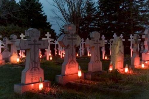 oracion por los muertos en cementerio