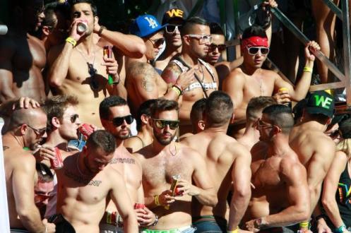 gays en dia del orgullo