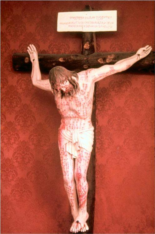 verdadera posicion de la crucificcion de jesus