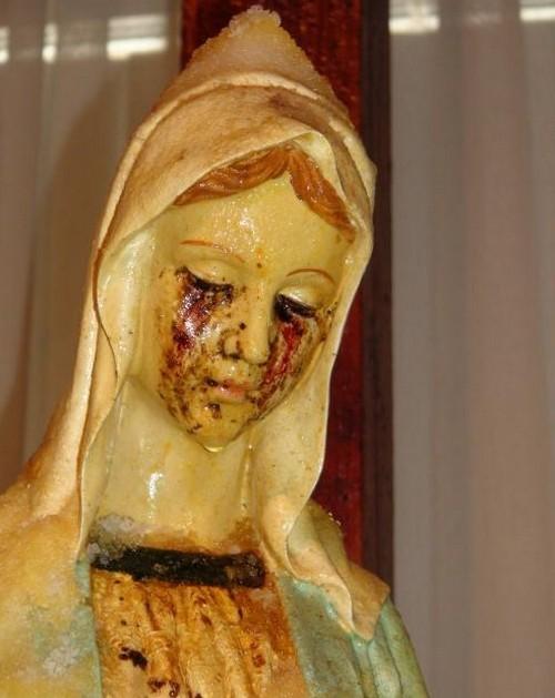 estatua que llora en malta