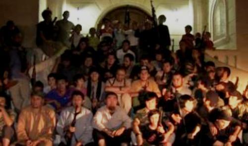 familia kazaja llega a siria para la jihad