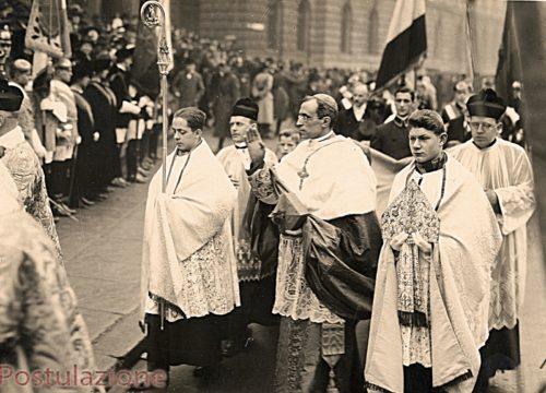 pio xii en procesion
