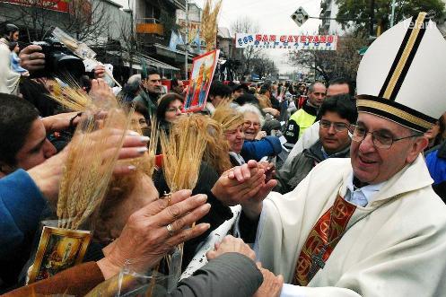 arzobispo bergoglio en san cayetano en buenos aires