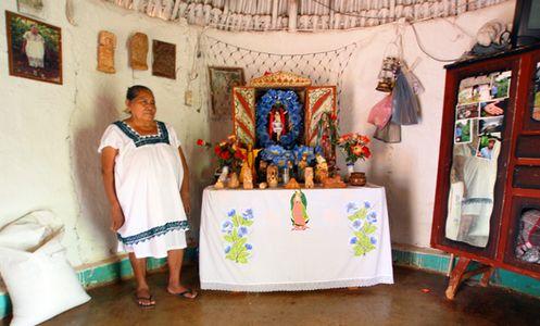 altar de una casa catolica