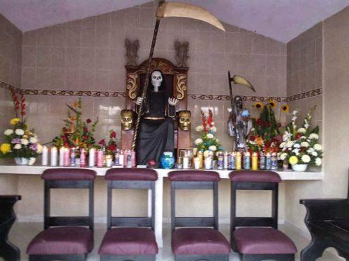 altar-de-la-santa-muerte