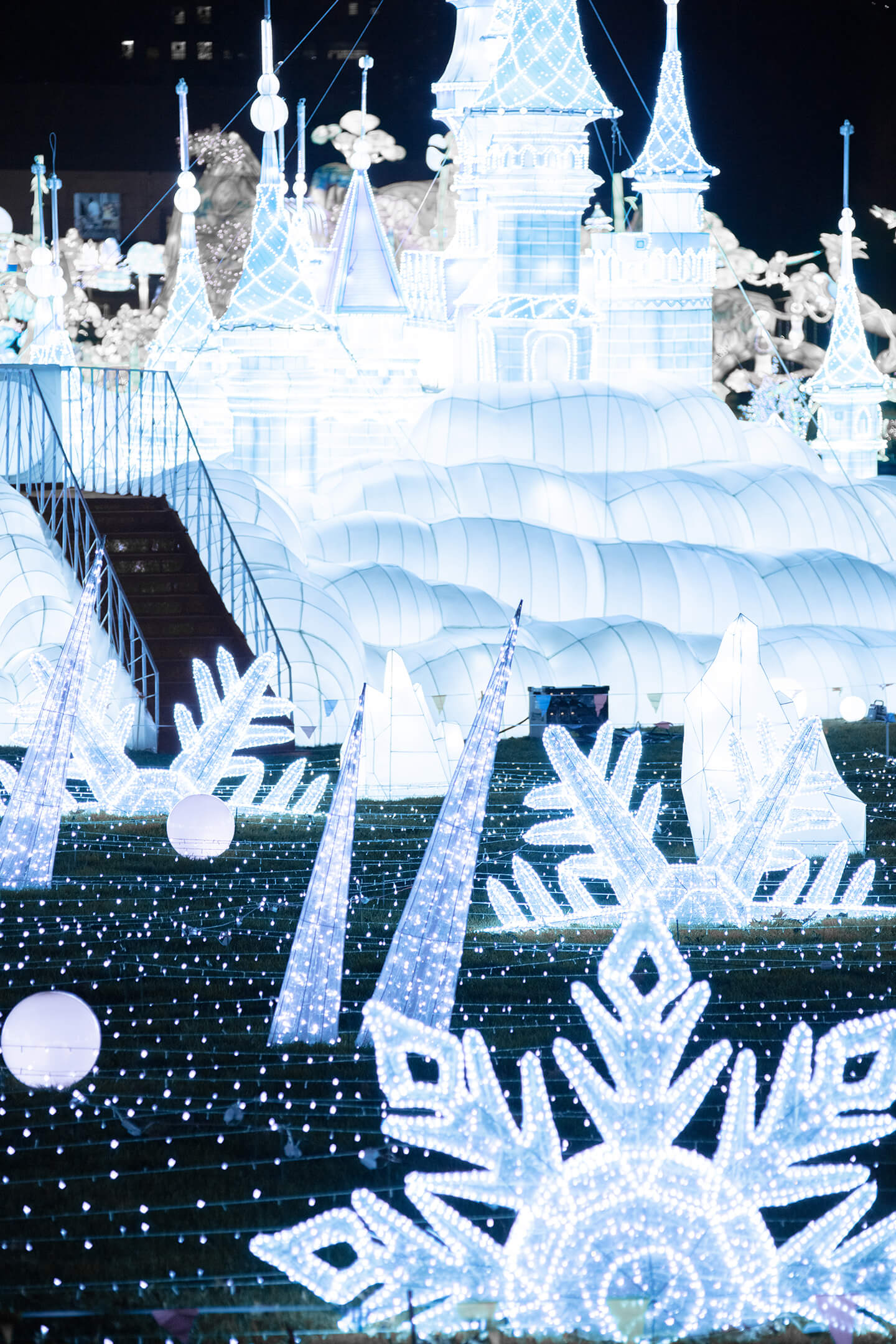 the-frozen-field-the-winter-fantasy-light-arts-luminocity-festival-rendered-image