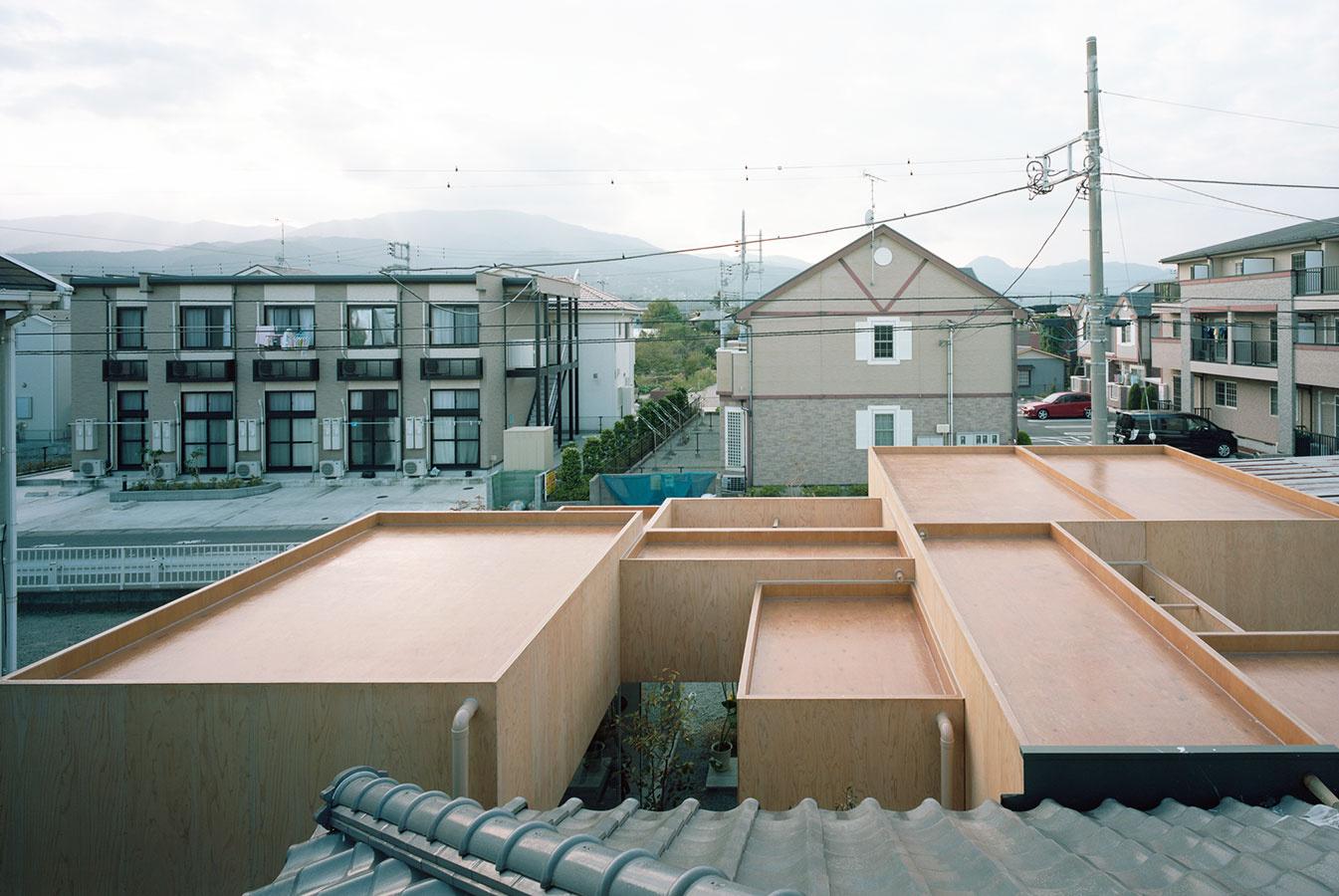Table Hat by Hiroyuki Shinozaki Architects